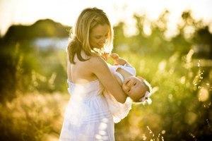 Во сне мама играет с ребенком
