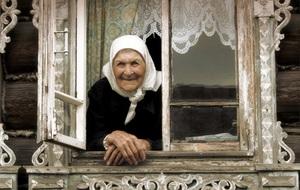 бабушка тесто которая покойная Приснилась месит