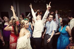 Веселиться на свадьбе