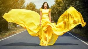 К чему снится видеть себя в желтом платье