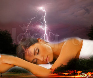 Значение снов о грозе согласно народным сонникам