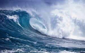 Снится во сне цунами к тревоге