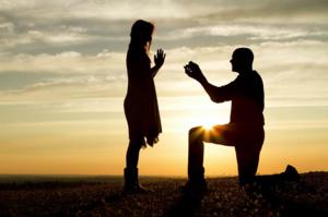 Предложение незнакомца сонники трактуют по разному